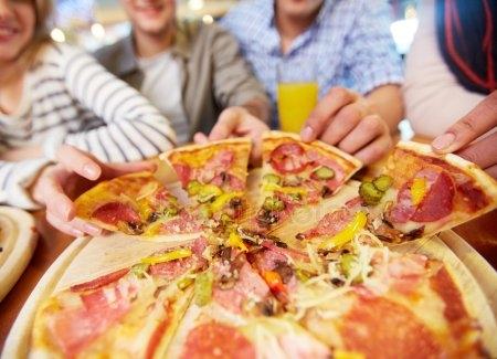 Картинки с пиццей смешные и веселые 008