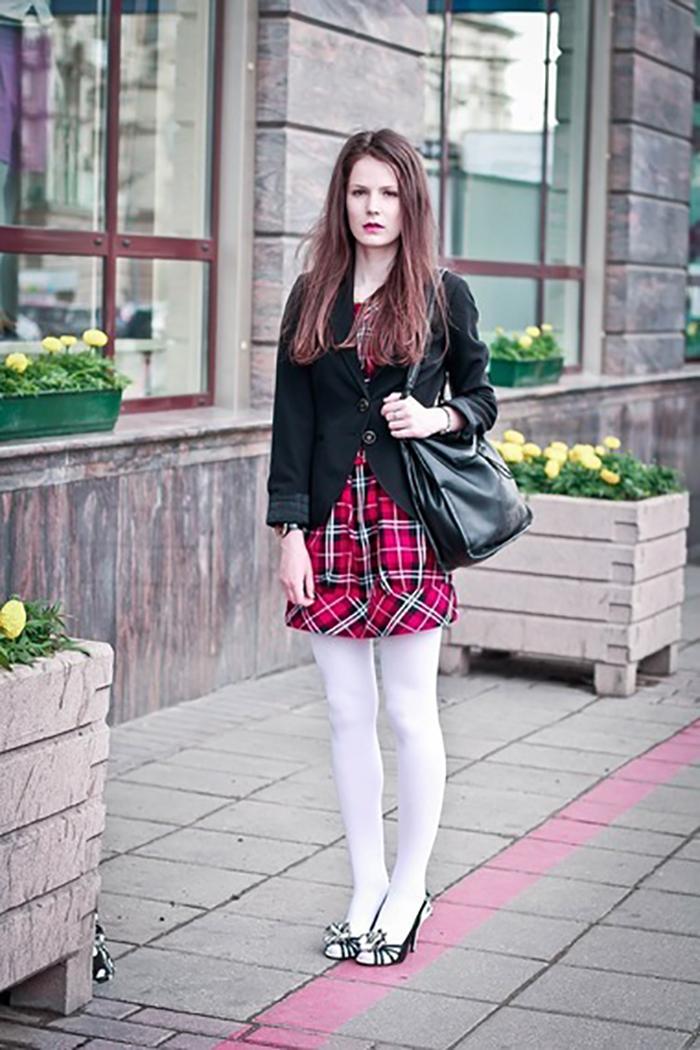 девушки в колготках на улице
