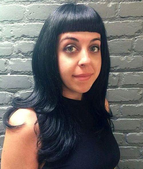 Красивые девушки с черными волосами и с челкой   фото (13)