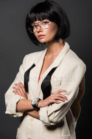 Красивые девушки с черными волосами и с челкой   фото (2)