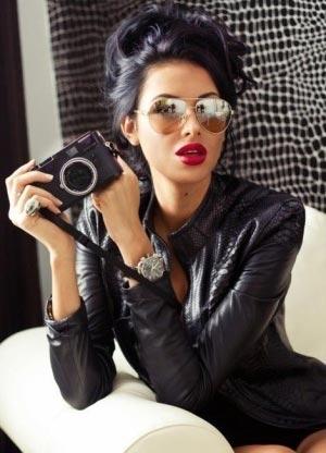 Красивые девушки с черными волосами и с челкой   фото (26)