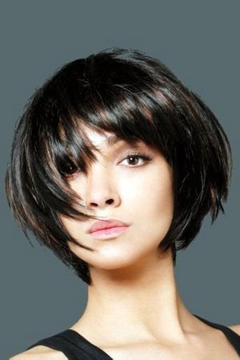 Красивые девушки с черными волосами и с челкой   фото (29)