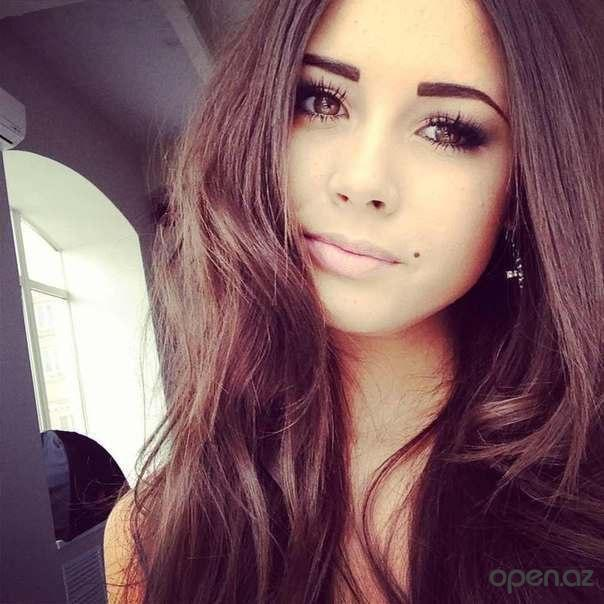 Красивые девушки   фото на аву в стим (1)