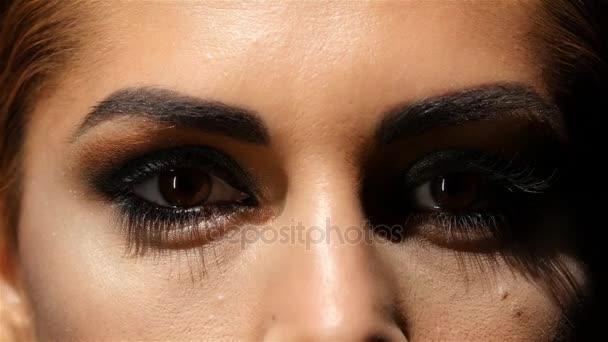 Красивые карие глаза девушки фото и картинки 007