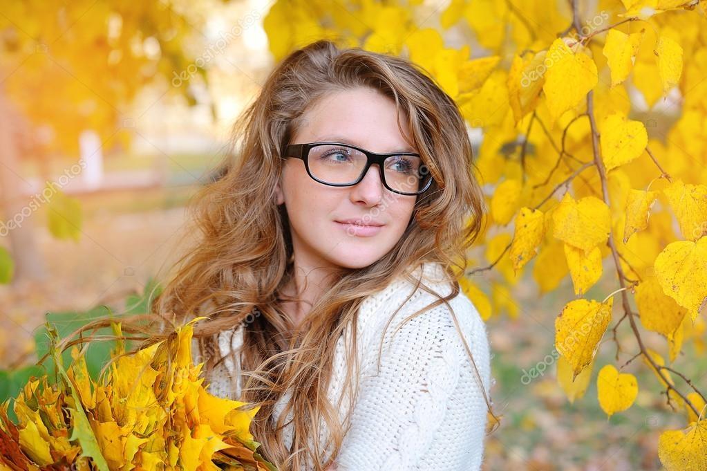 Красивые фотографии девушек осенью   подборка фото (11)
