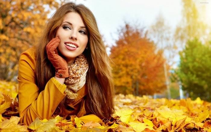 Красивые фотографии девушек осенью   подборка фото (14)