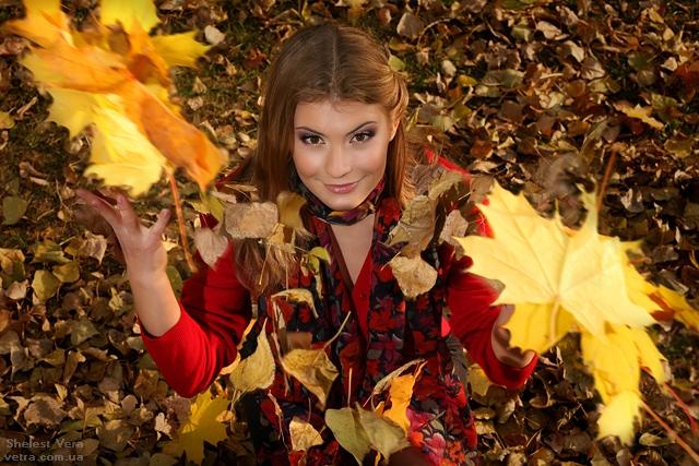 Красивые фотографии девушек осенью   подборка фото (15)
