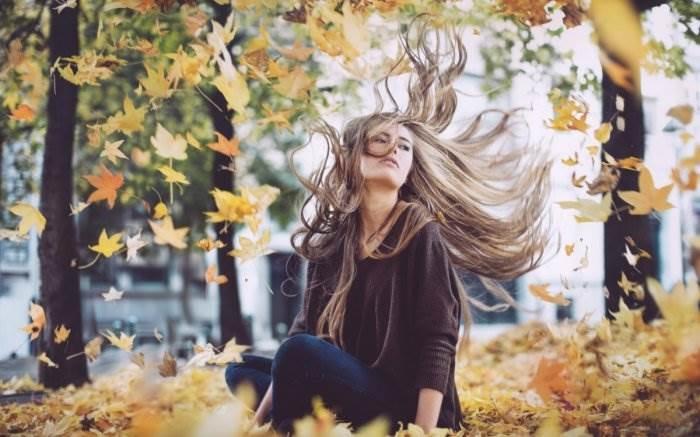 Красивые фотографии девушек осенью   подборка фото (2)