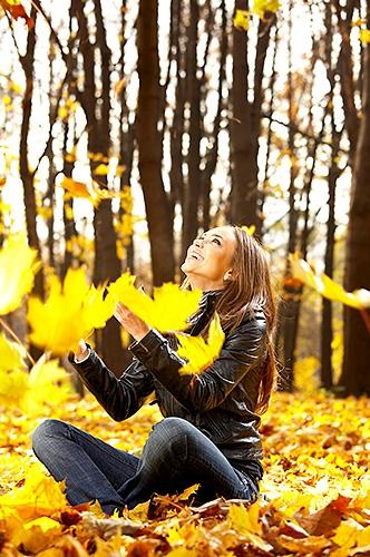 Красивые фотографии девушек осенью   подборка фото (5)