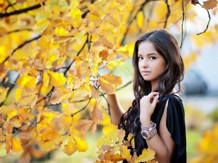 Красивые фотографии девушек осенью   подборка фото (6)