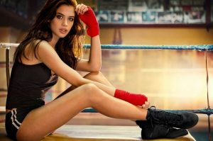 Красивые фото девушки в спортзале 019