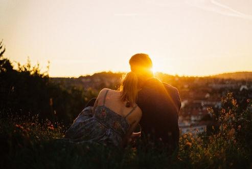 Красивые фото любовь на закате 003