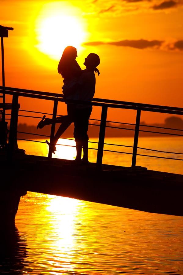 Красивые фото любовь на закате 007