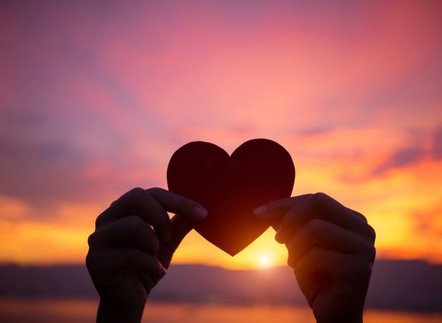 Красивые фото любовь на закате 019