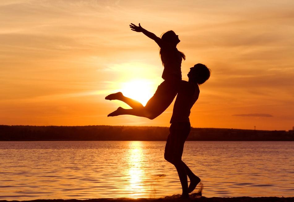 Красивые фото любовь на закате 021