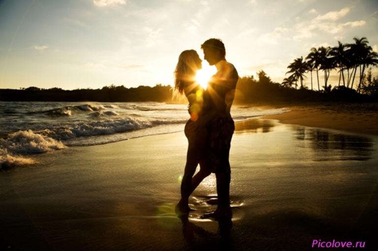 Красивые фото любовь на закате 024