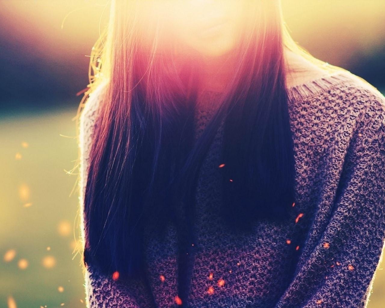 Картинка на аватарку для девушек брюнеток со спины
