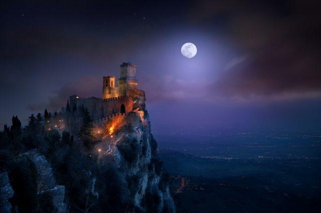Луна на ночном небе   красивые фото002