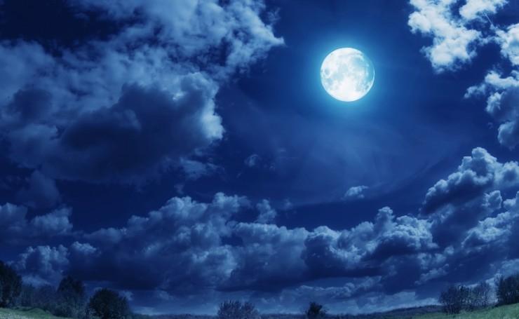 Луна на ночном небе   красивые фото003