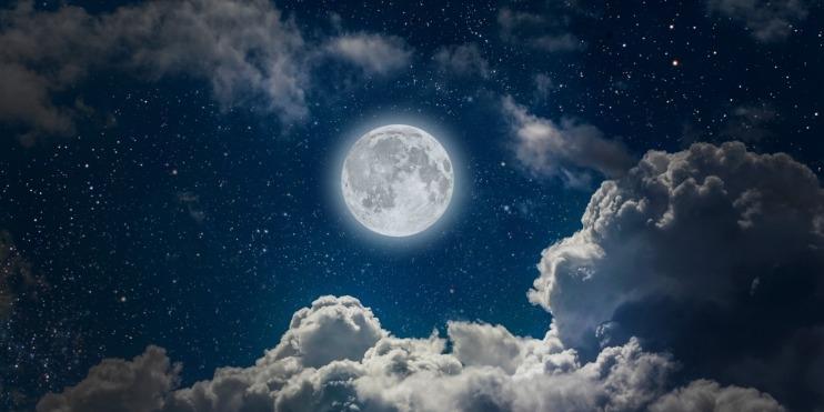 Луна на ночном небе   красивые фото005