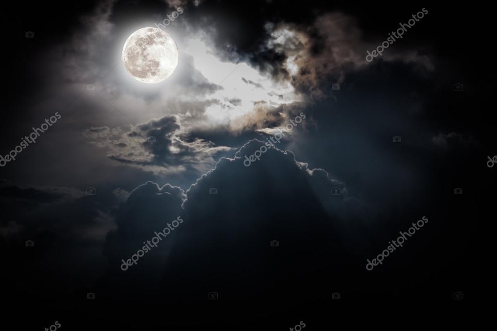 Луна на ночном небе   красивые фото018