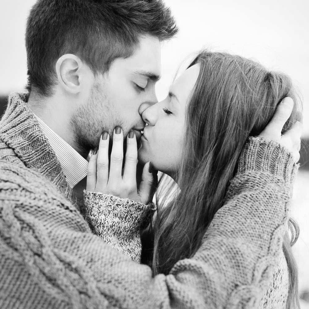 Мужчина и женщина страсть   фото черно белые (17)