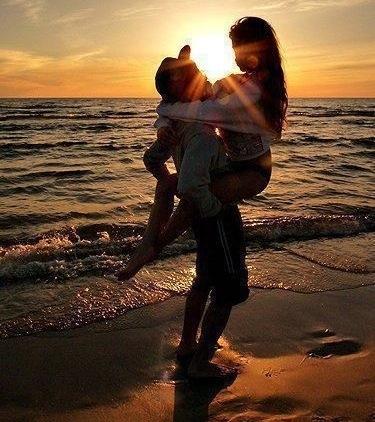 Обнять и нежно поцеловать   красивые открытки006