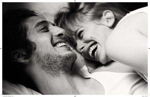 Обнять и нежно поцеловать   красивые открытки020