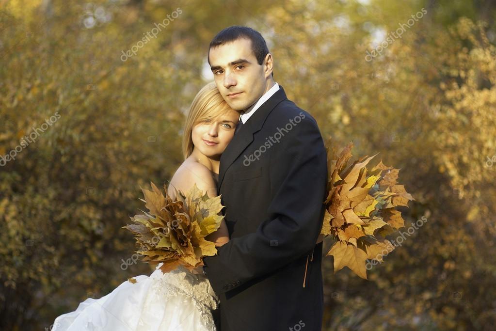 Пара в осеннем парке   красивые фото 004