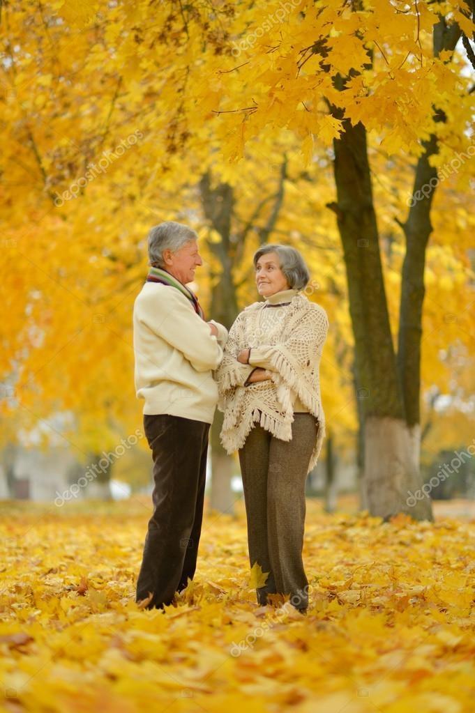 Пара в осеннем парке   красивые фото 006