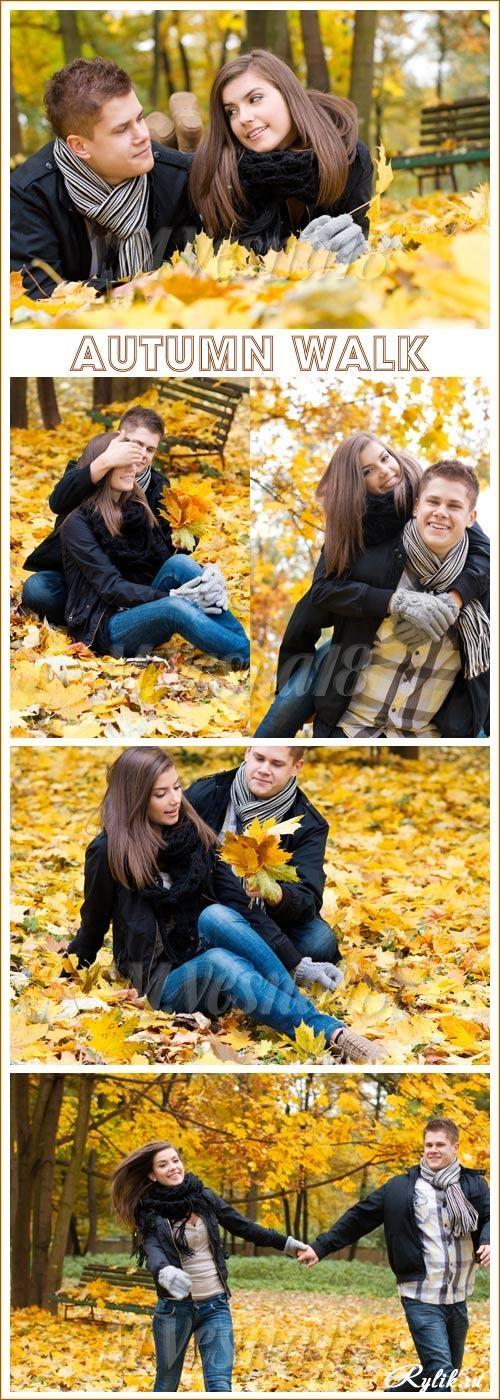 Пара в осеннем парке   красивые фото 011