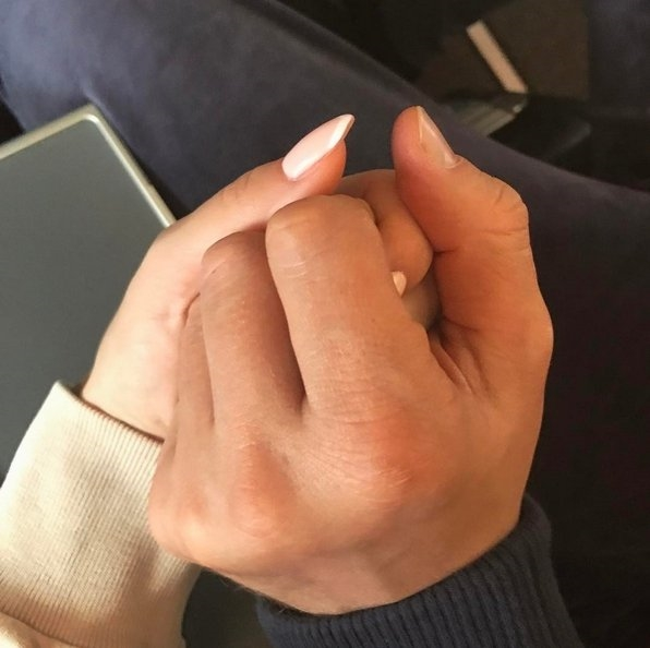 Пары руки в машине    подборка фото025