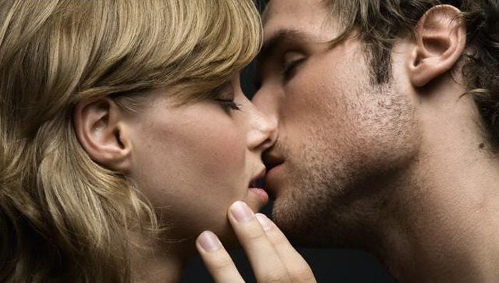 Поцелуй в засос картинки и фото 017