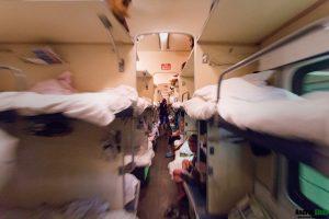 Пьяные девушки в поездах дальнего следования   фото (21)
