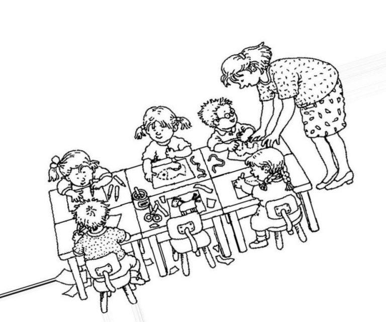 Раскраска детки в садике