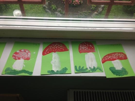 Рисование на тему грибы и ягоды 025