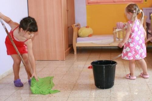 Рисунки Как я помогаю маме по дому   сборка (2)