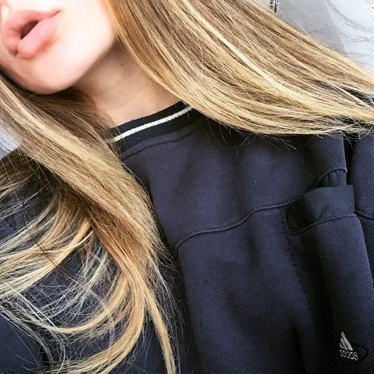 Русые девушки фото на аву без лица002