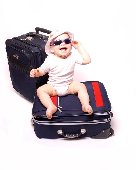 картинка уже на чемоданах адлера