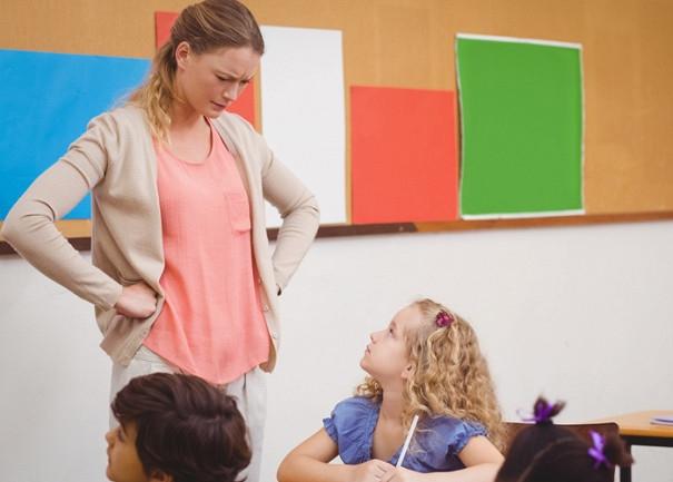 Учитель ругает ученика картинка и фото 021