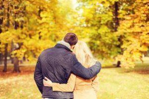 Фотки парня и девушки влюбленных со спины   подборка (17)
