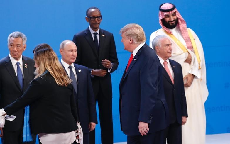Фото Путин за столом   подборка 019