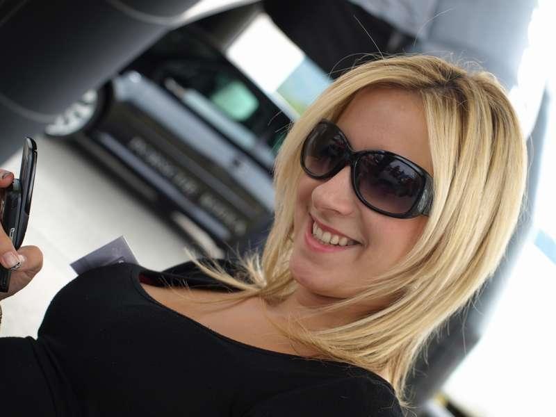 Фото блондинок девушек в очках подборка 019