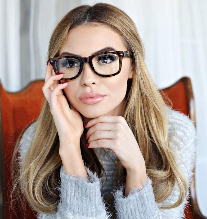Фото блондинок девушек в очках подборка 023