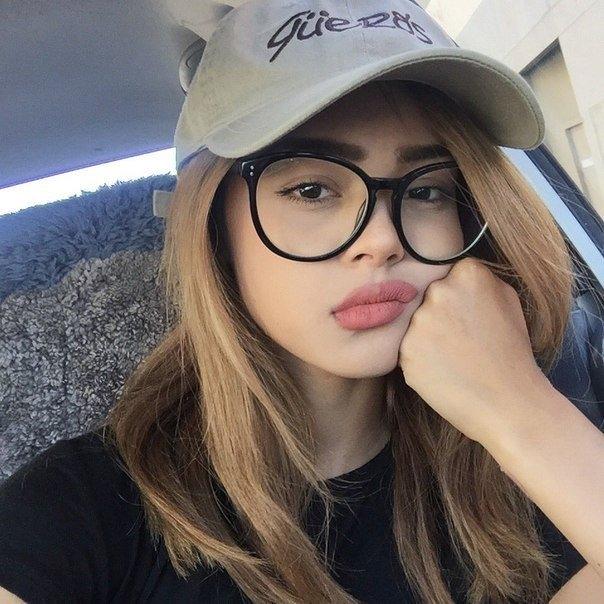 Фото блондинок девушек в очках подборка 024