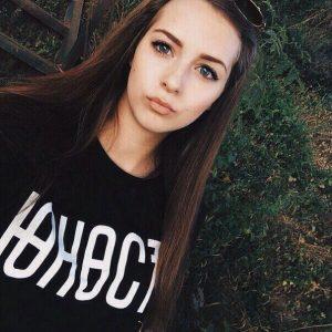 Фото девочек с коричневыми волосами без лица   подборка (21)