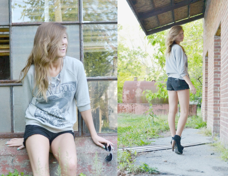 Фото девушек в джинсовых шортах и майках   подборка (20)
