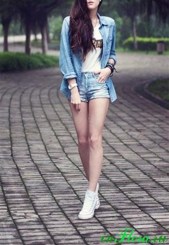 Фото девушек в джинсовых шортах и майках   подборка (6)