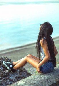Фото девушек в лесу лето со спины   милая подборка 027