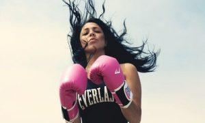 Фото девушек в перчатках боксерских 016